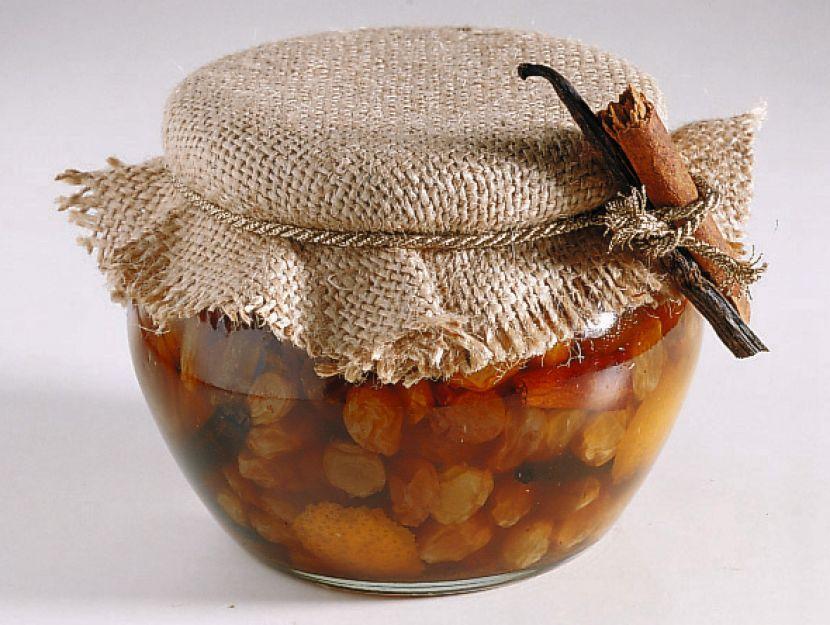 uva-sultanina-al-brandy-e-cannella ricetta