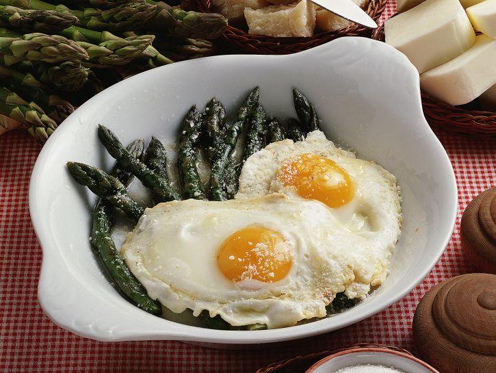 asparagi-alle-uova immagine