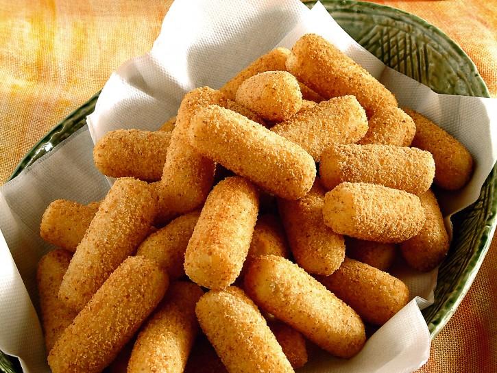 crocchette-di-patate-impanate-e-fritte foto