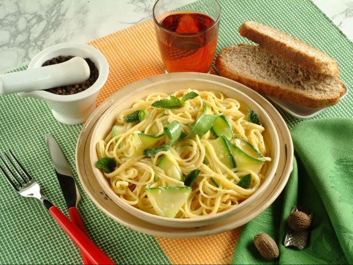 carbonara-di-zucchine-alla-menta
