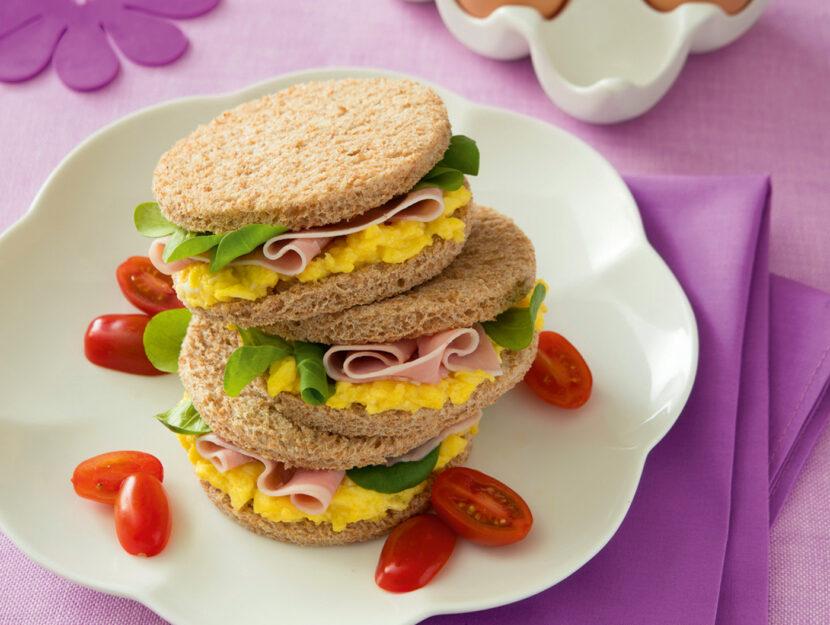 Sandwich leggeri con pane integrale