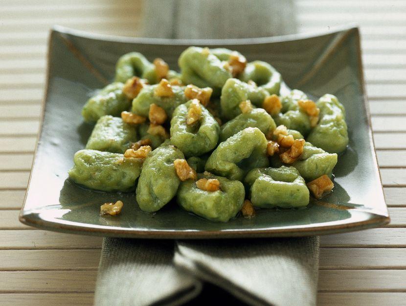 gnocchetti-verdi-con-noci-e-pecorino