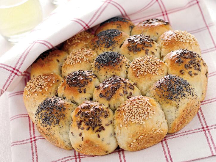 Torta danubio di panini ai semi