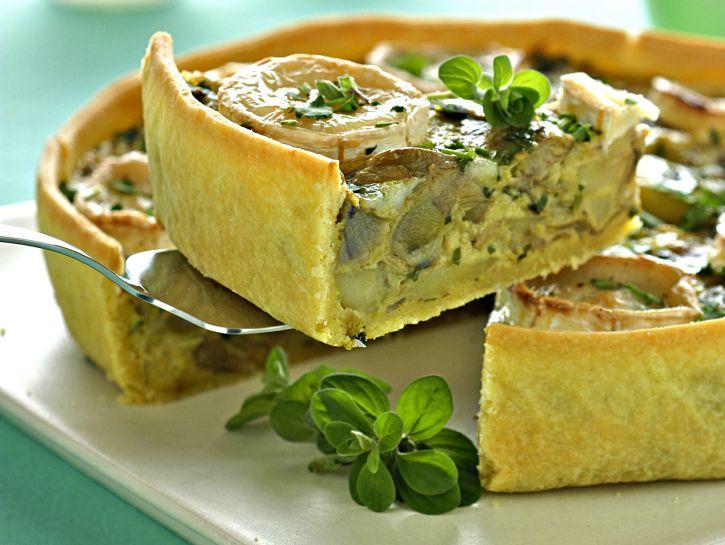 crostata-di-carciofi-patate-e-chevre foto