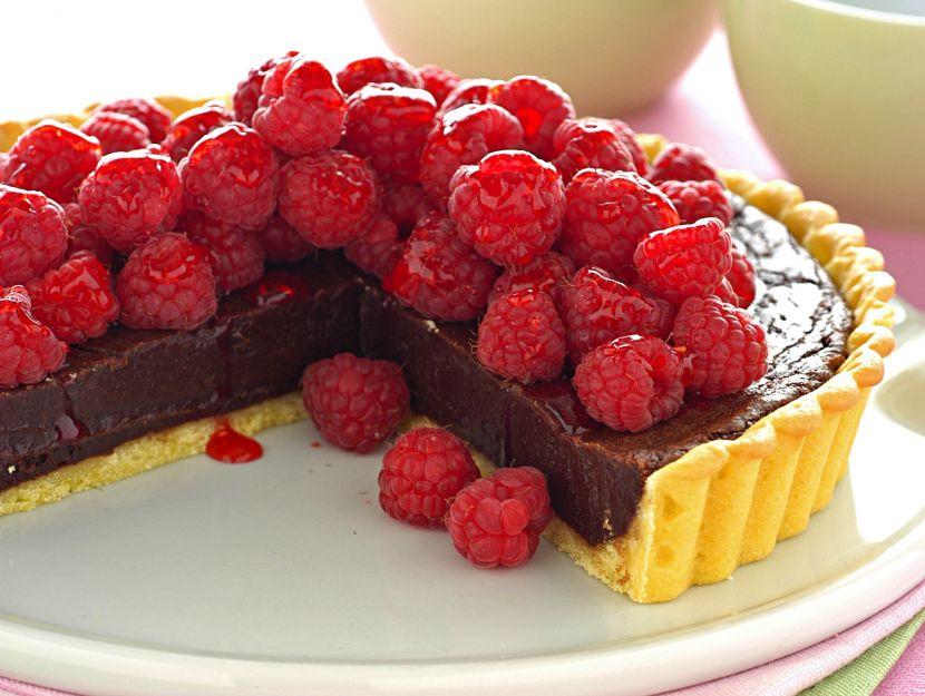 crostata-dolce-con-cioccolato-e-lamponi ricetta