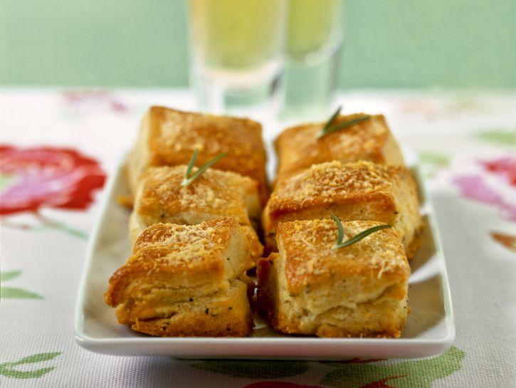 quadrotti-al-formaggio foto