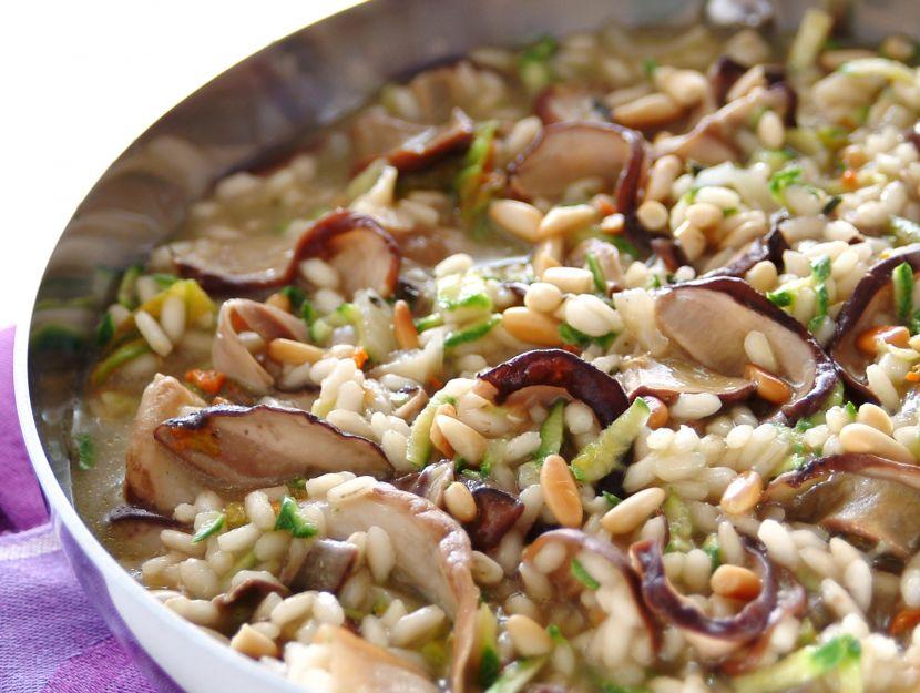 risotto-del-bosco-con-zucchine-e-pinoli