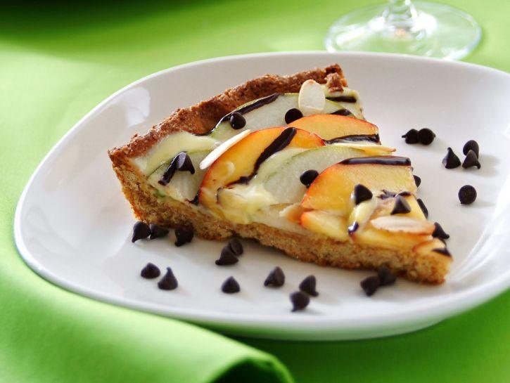 torta-di-pasta-frolla-integrale-allolio-con-pesche-e-pere immagine