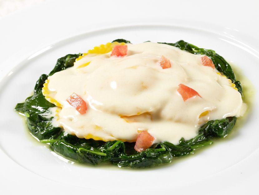 foto ravioli-di-patate-con-salsa-al-taleggio
