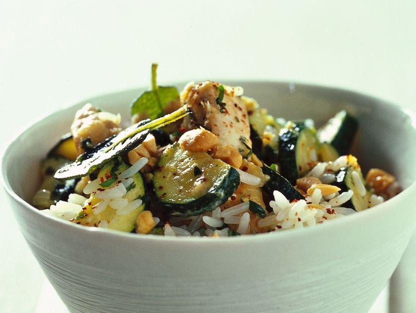 riso-rapido-con-padellata-di-pollo-e-zucchine