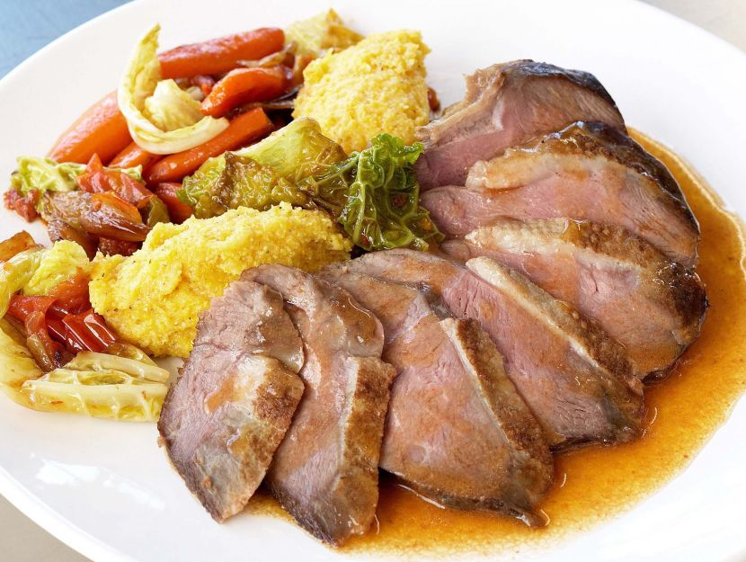 ricetta oca-brasata-con-verza-e-polenta