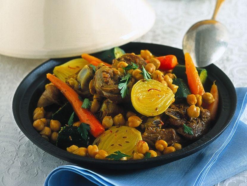 tajine-di-agnello-con-verdure-e-ceci ricetta