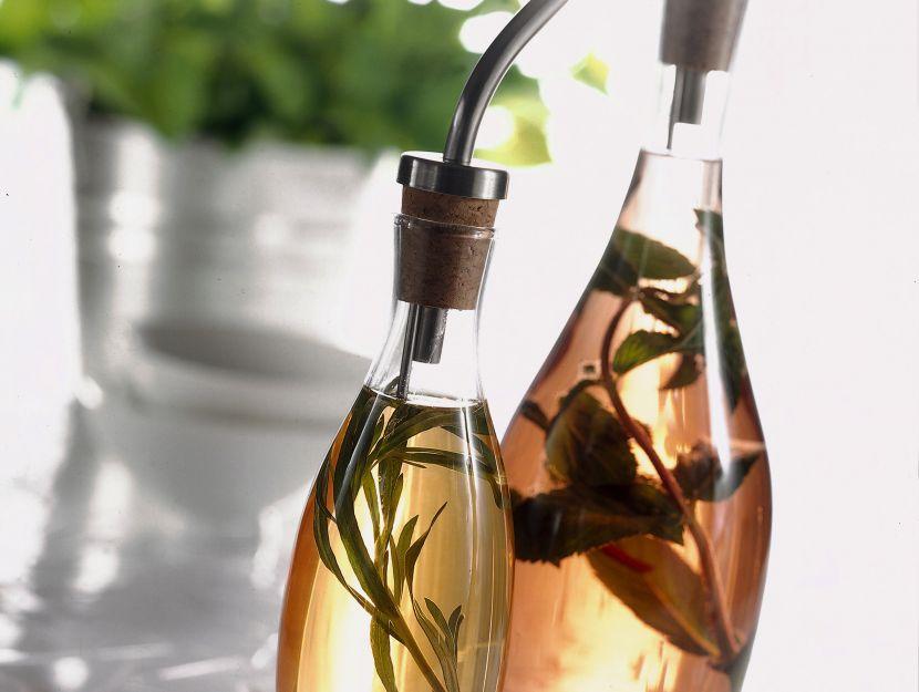 condimenti-alle-erbe-aromatiche foto