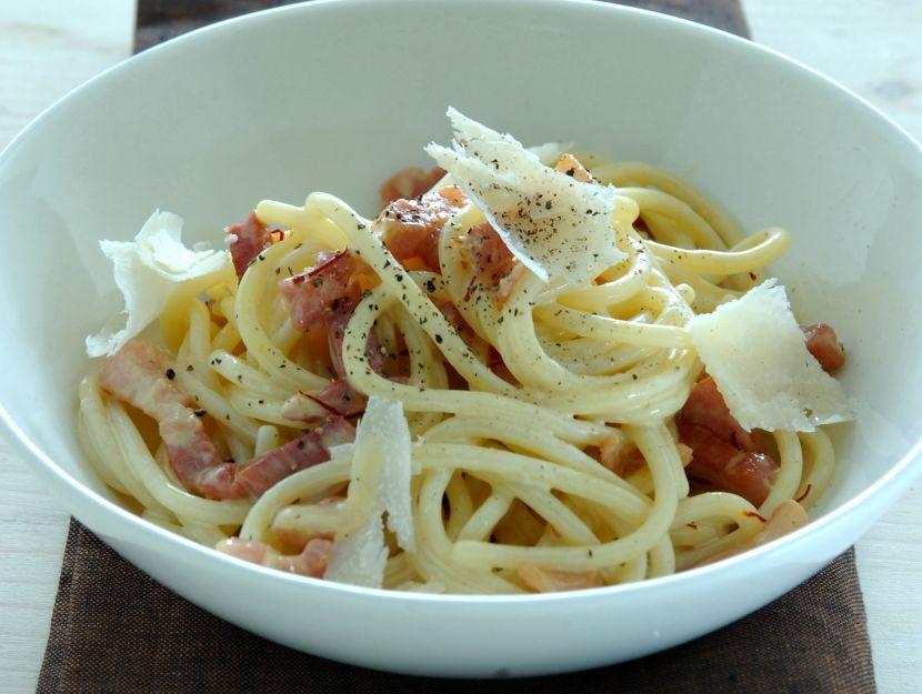 spaghetti-con-prosciutto-crudo