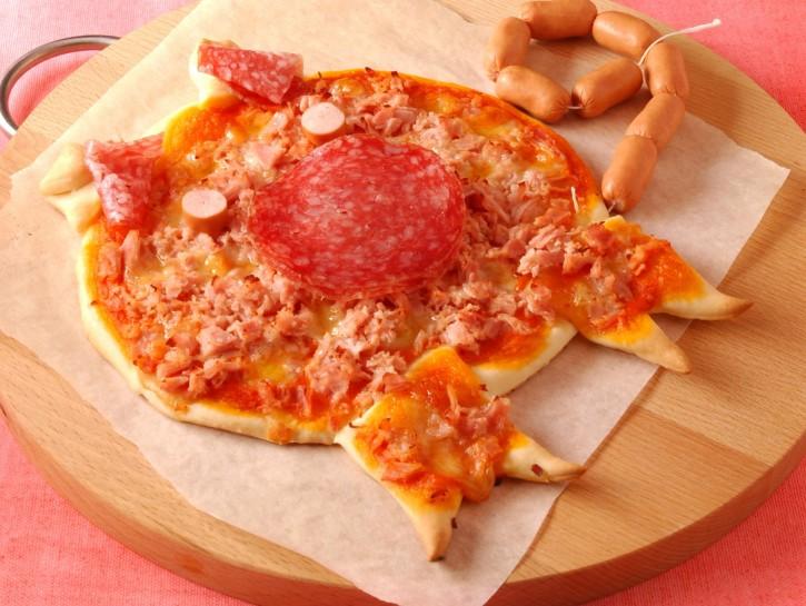 porcellino-di-pizza-con-prosciuttosalame-e-wurstel preparazione