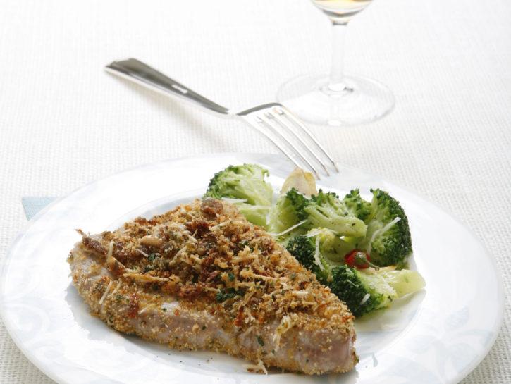 filetti-di-tonno-fresco-gratinati-con-mix-aromatico preparazione