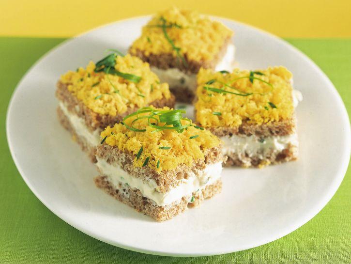 tramezzini-mimosa-con-salsa-di-formaggio ricetta