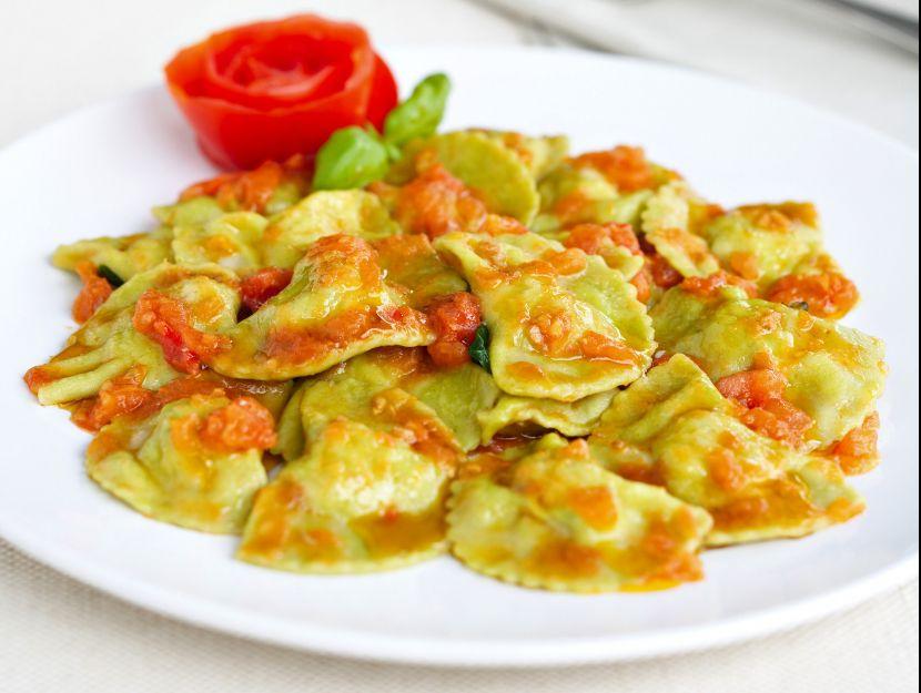 ricetta pansotti-di-gamberi-e-zucchine-al-pomodoro