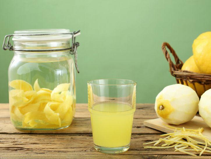 Liquore Limoncello casalingo - Credits: Olycom