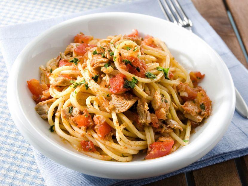 spaghetti-al-sugo-di-tonno