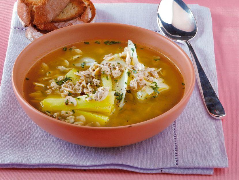 zuppa-di-vongole-e-porri-al-curry