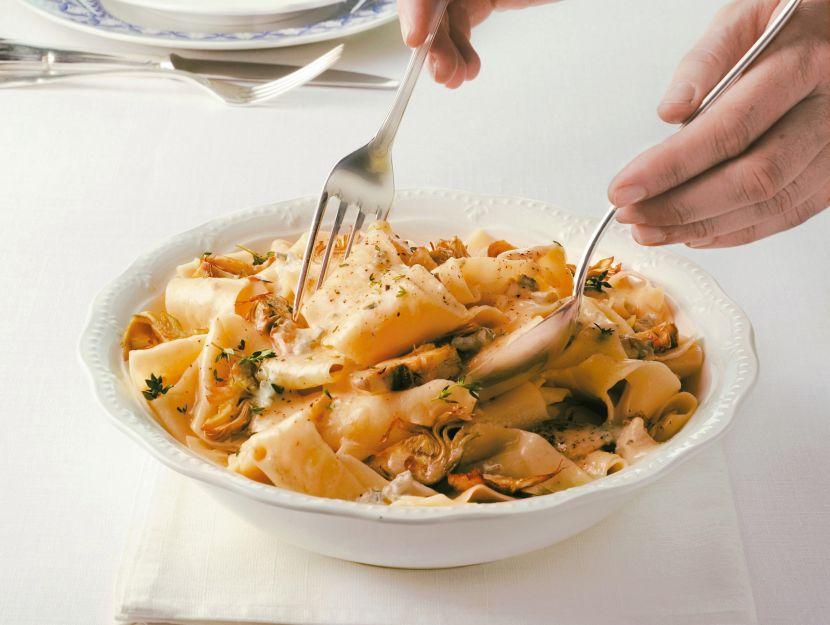 pappardelle-carciofi-e-gorgonzola ricetta