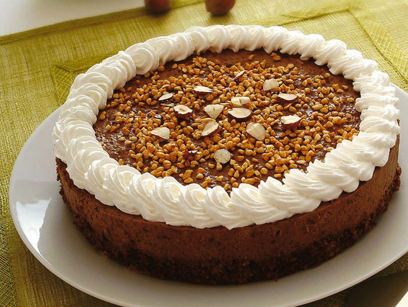 torta-di-mousse-di-gianduja-con-nocciole-e-rum preparazione