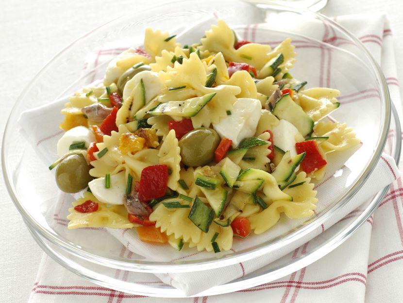 farfalle-verdure-grigliate-e-mozzarella immagine