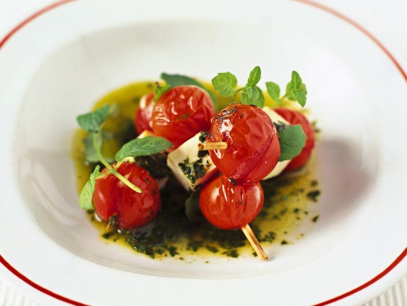 spiedini-di-pomodorini-e-ricotta-salata