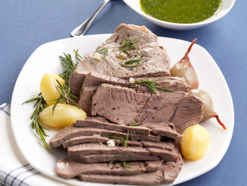 scamone-lesso-con-salsa-verde