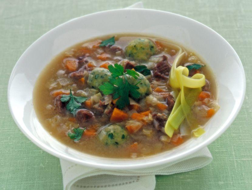 zuppa-di-carne-con-polpettine-di-pane