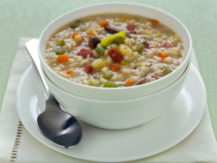 zuppa-dorzo-con-carne-e-speck