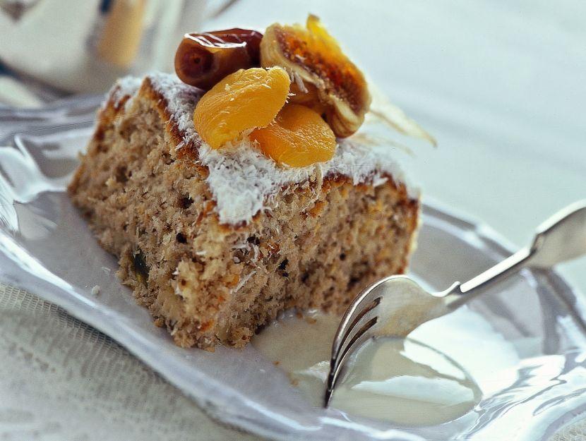 torta-di-frutta-secca-e-cocco