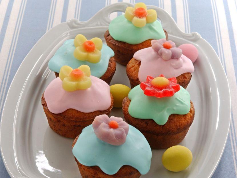 muffin-fioriti-al-cioccolato-bianco