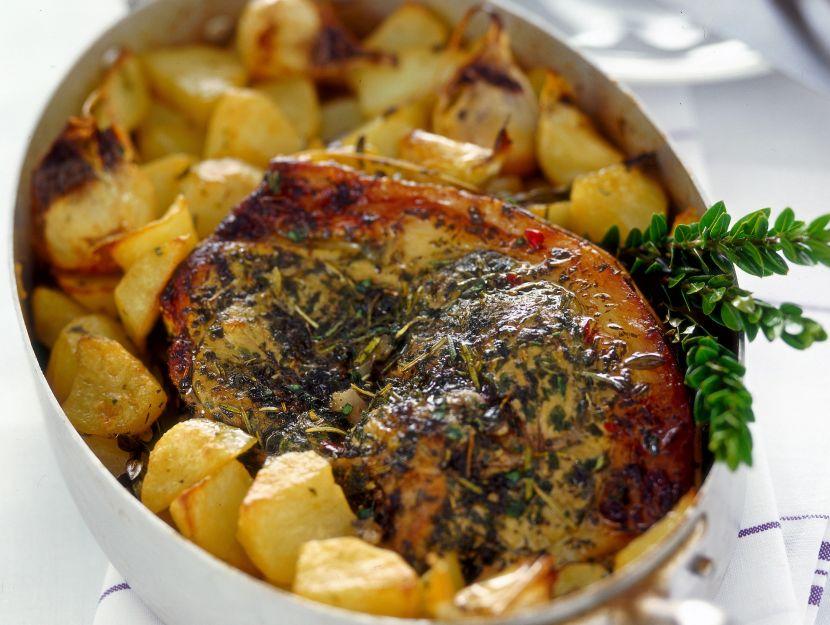 spalla-di-agnello-alle-erbe-con-patate