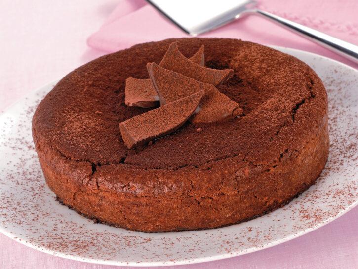 Torta caprese di uova di cioccolato e mandorle