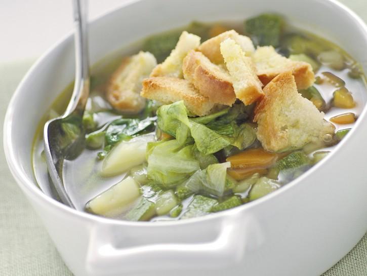 zuppa-di-verdure-con-crostini immagine