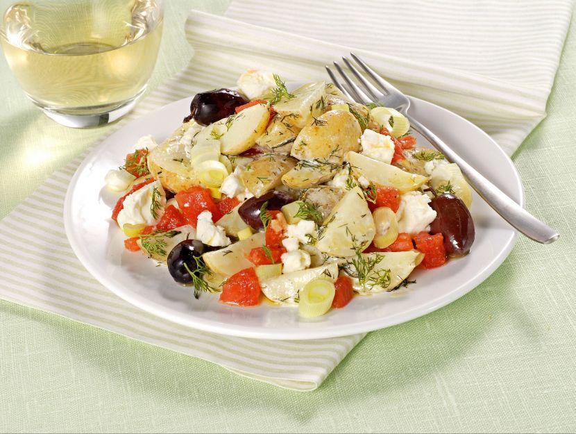 insalata-con-feta-e-olive-kalamata foto