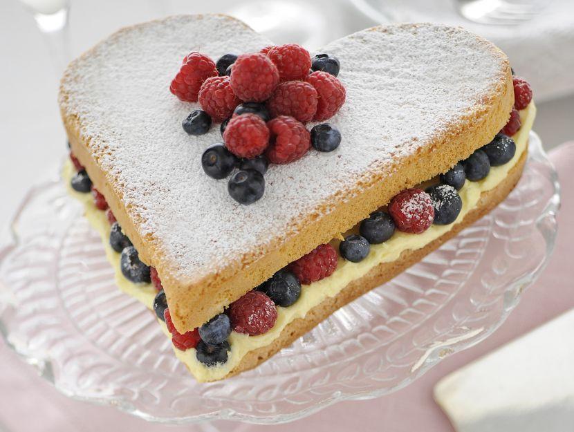 torta-al-limone-e-frutti-di-bosco immagine