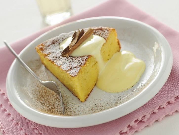 torta-margherita-con-mele-grattugiate immagine