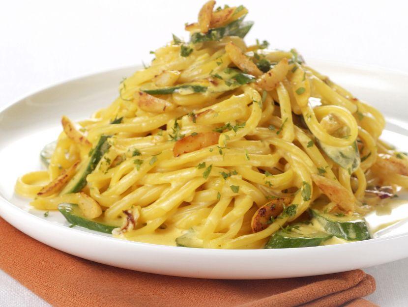 linguine-allo-zafferano-con-zucchine