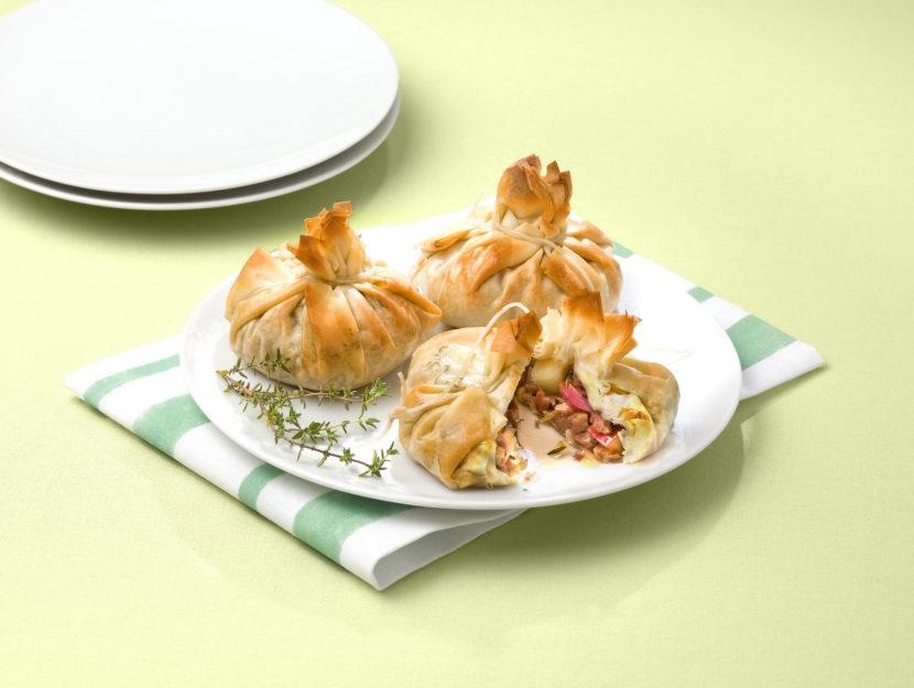 fagottini-con-mela-e-salsiccia
