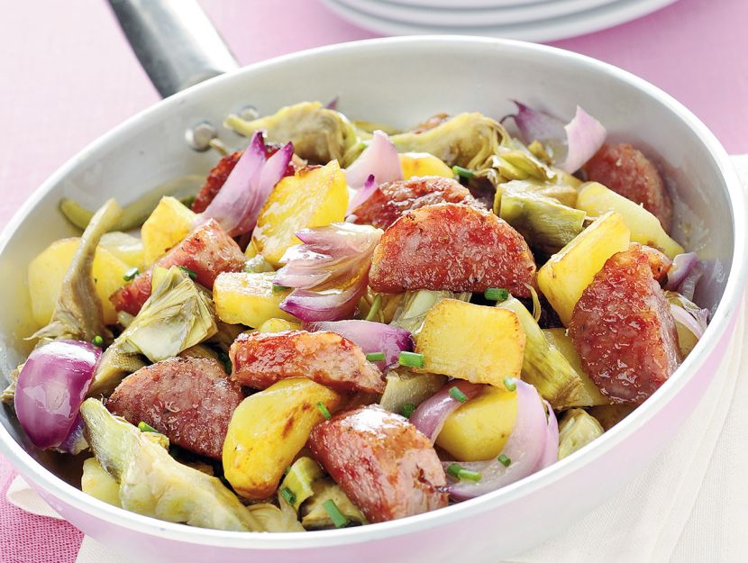 Padellata di cotechino, patate e carciofi