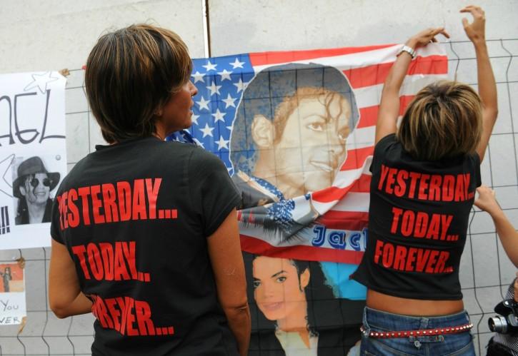 Michael Jackson e l'omaggio dei fan di tutto il mondo