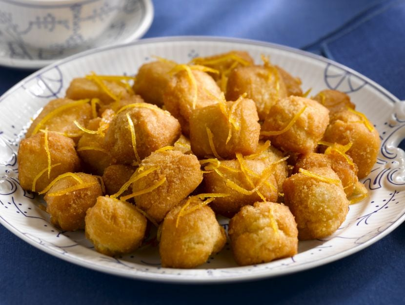 pignoccata-cu-meli-dolce-fritto-con-il-miele