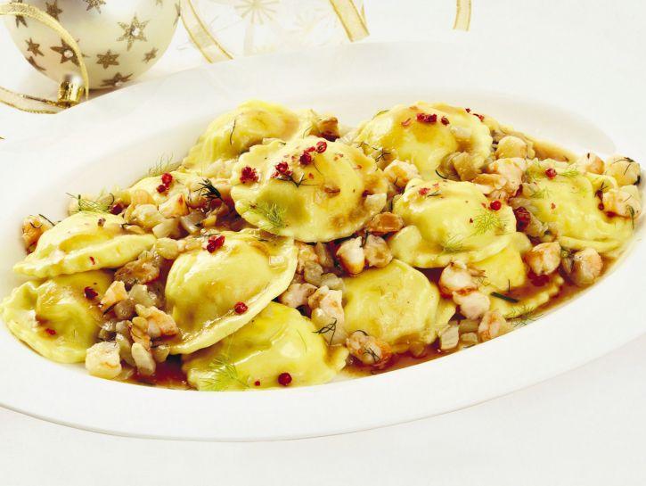 ravioli-di-pesce-con-ragu-di-gamberi-e-finocchi ricetta