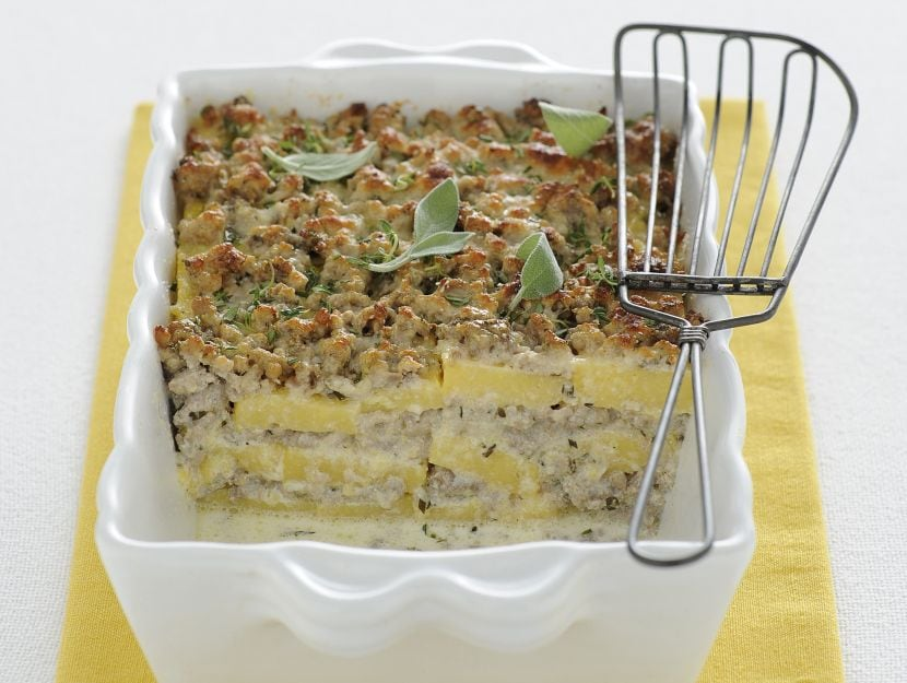 lasagne-di-polenta-con-ragu-al-latte