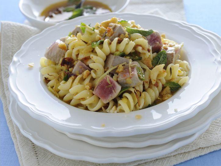 pasta-al-tonno-fresco-e-menta