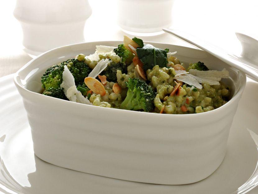insalata-dorzo-con-broccoletti-pesto-e-mandorle