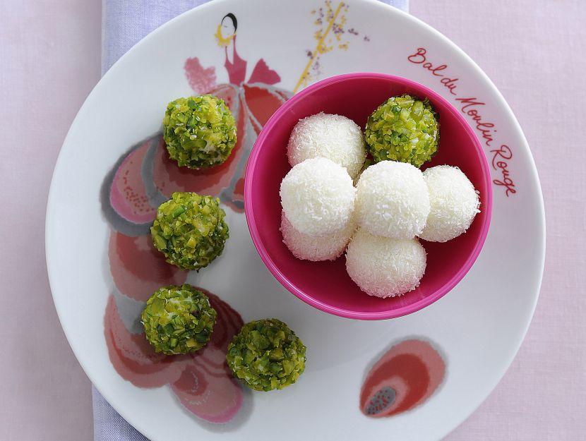 boules-dolci-di-cocco-e-pistacchi immagine